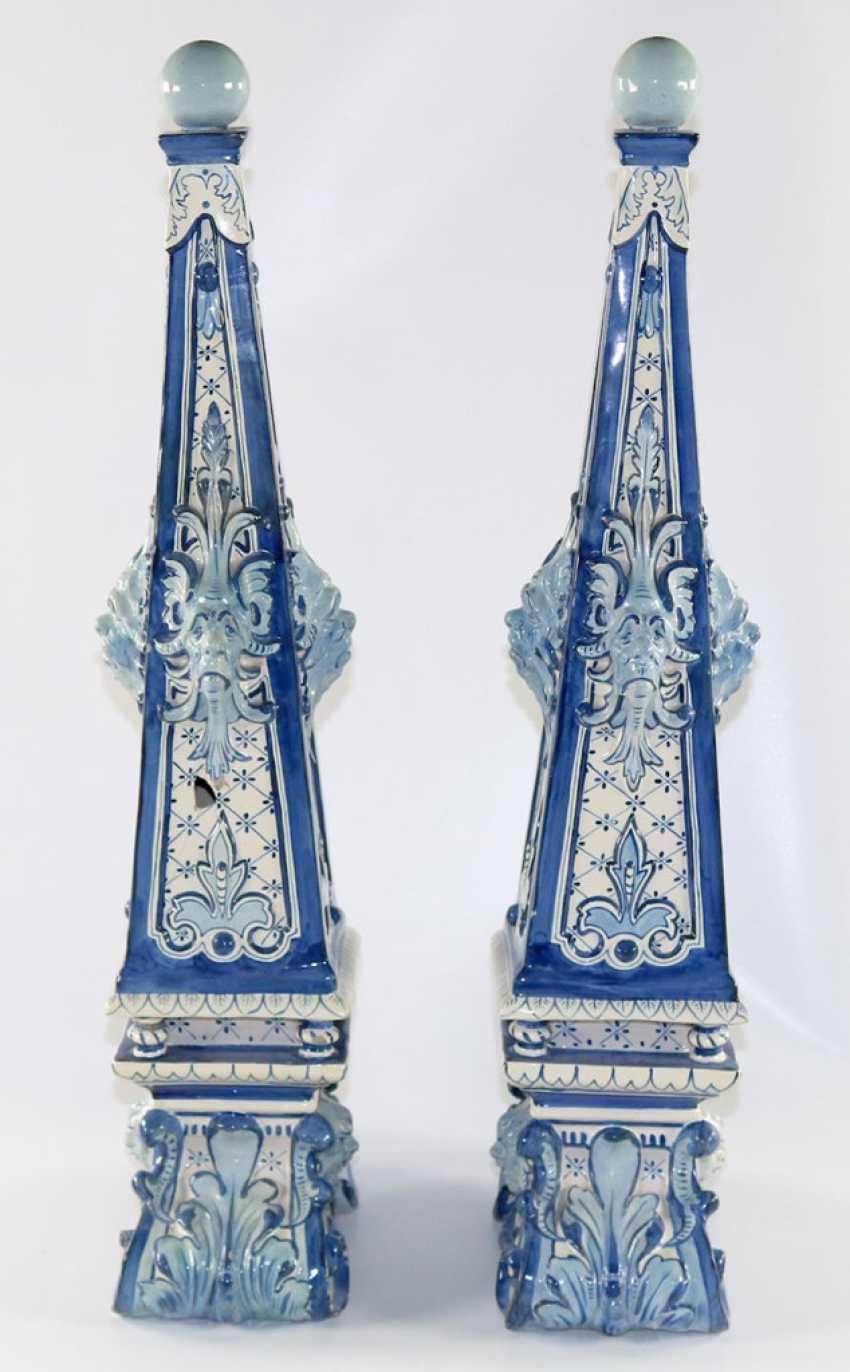 Delft Pair of Obelisks. - photo 2