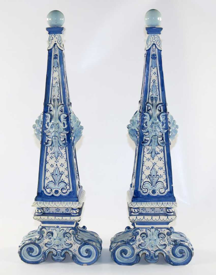 Delft Pair of Obelisks. - photo 3