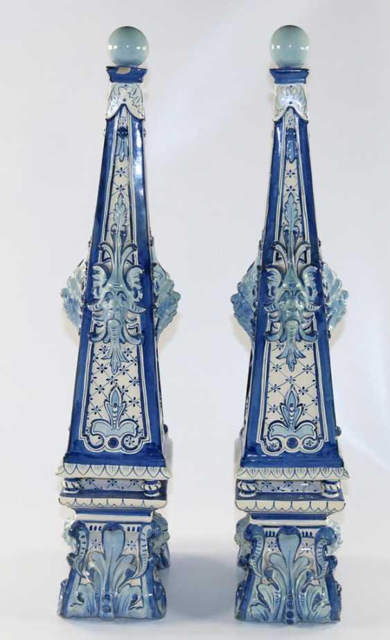 Delft Pair of Obelisks. - photo 4