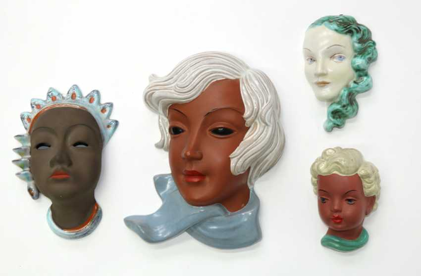 Ceramic wall masks and figures. - photo 1
