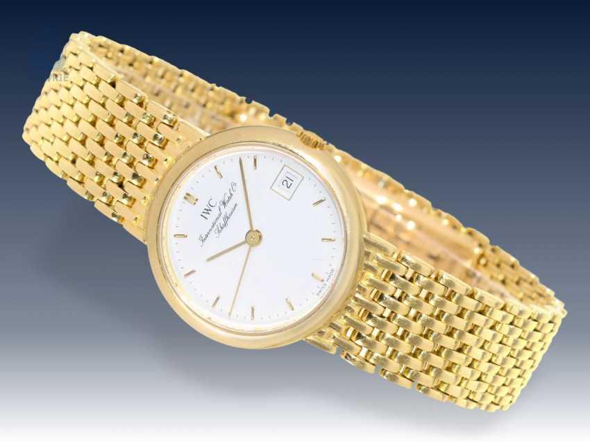 Armbanduhr: hochwertige IWC Damenuhr mit massivem Goldband - photo 1