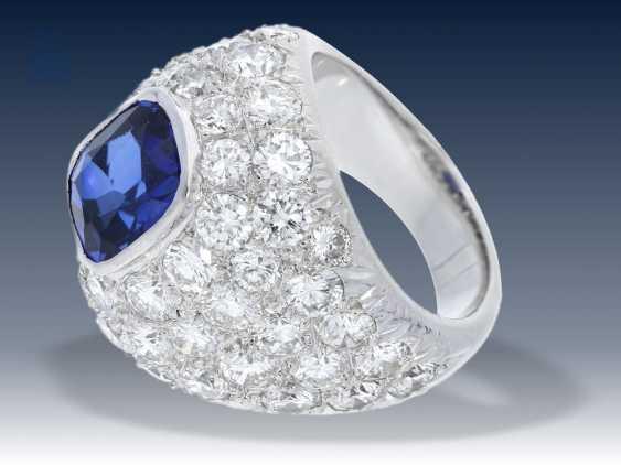Ring: exquisiter, außergewöhnlicher und äußerst dekorativer Saphir/Brillant- Pavé Goldschmiedering aus Platin, Anfertigungspreis lt. Besitzerin ca.25.000,-DM - photo 2