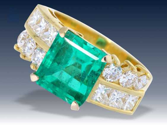 Ring: exklusiver Smaragd/Diamantring, vermutlich Columbien - photo 1