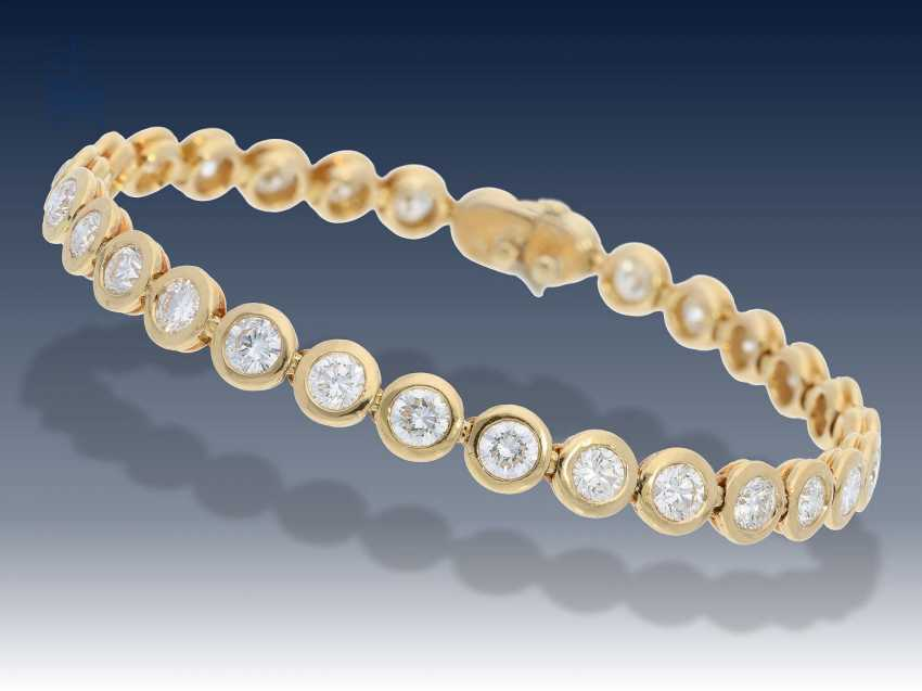 Armband: exquisites, handgefertigtes Tennisarmband mit feinen Brillanten, 6,98ct,Top Wesselton/VVS - photo 1