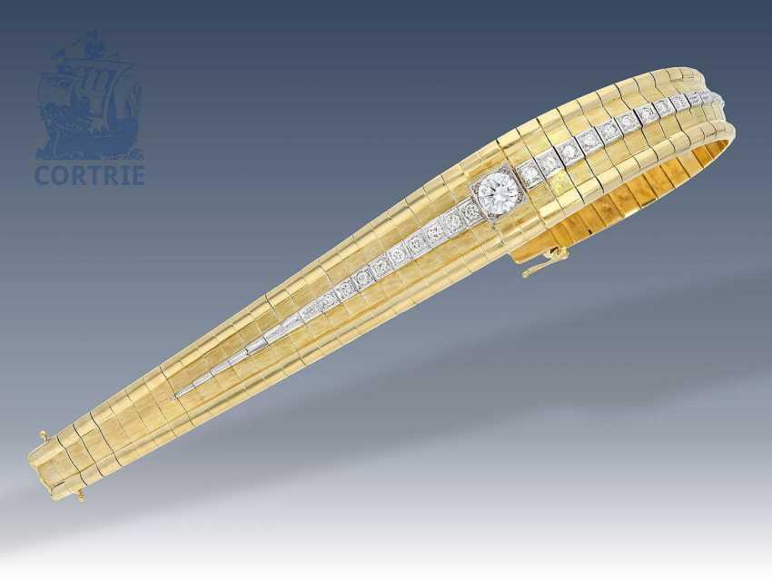 Armband: schweres und sehr hochwertiges Brillant-Armband, 2,01ct in Spitzenqualität, Mittelstein 1,05ct - photo 1