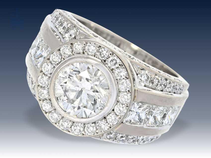 Ring: äußerst hochwertiger Goldschmiedering mit Brillantbesatz, geschätzter Anfertigungspreis 25.000-30.000€ - Foto 1