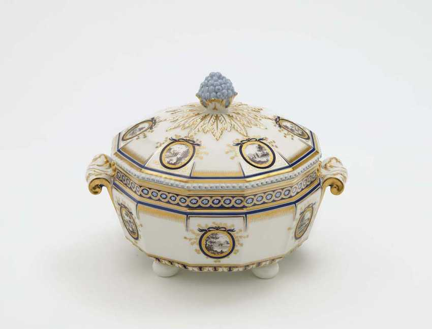 Vegetable bowl, Nymphenburg, after the model by Dominikus Auliczek - photo 1