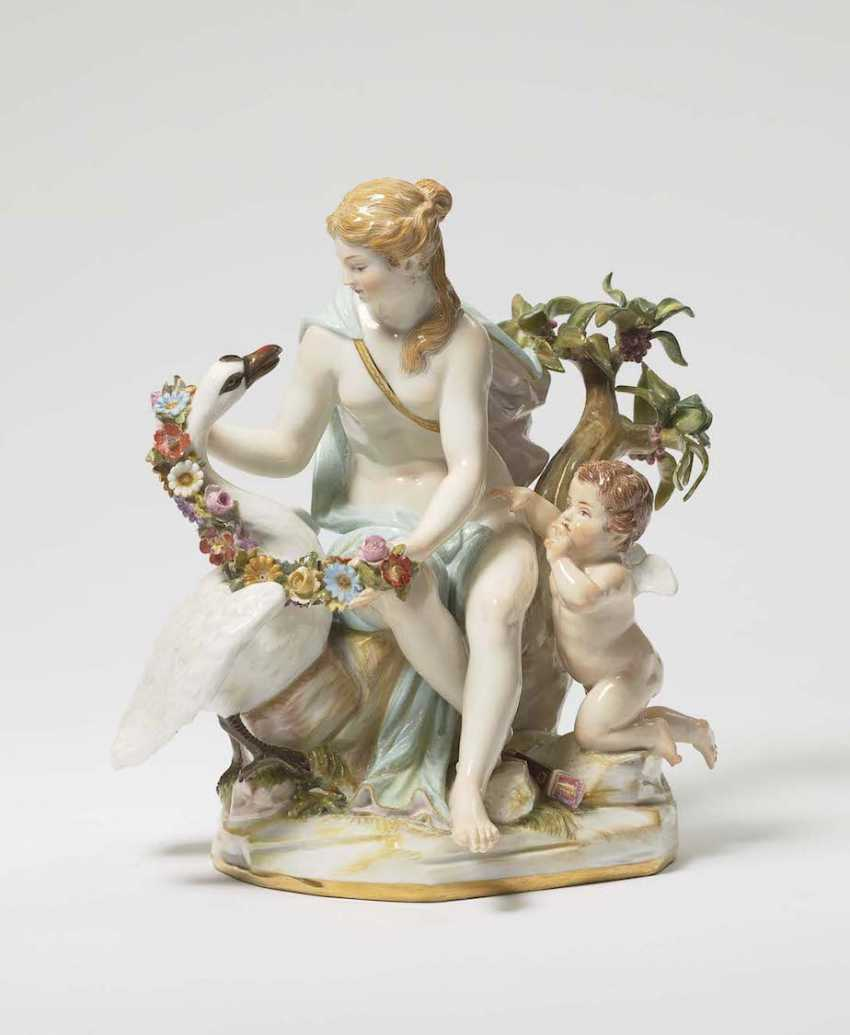 LEDA WITH the SWAN, AND CUPID Meissen - photo 1