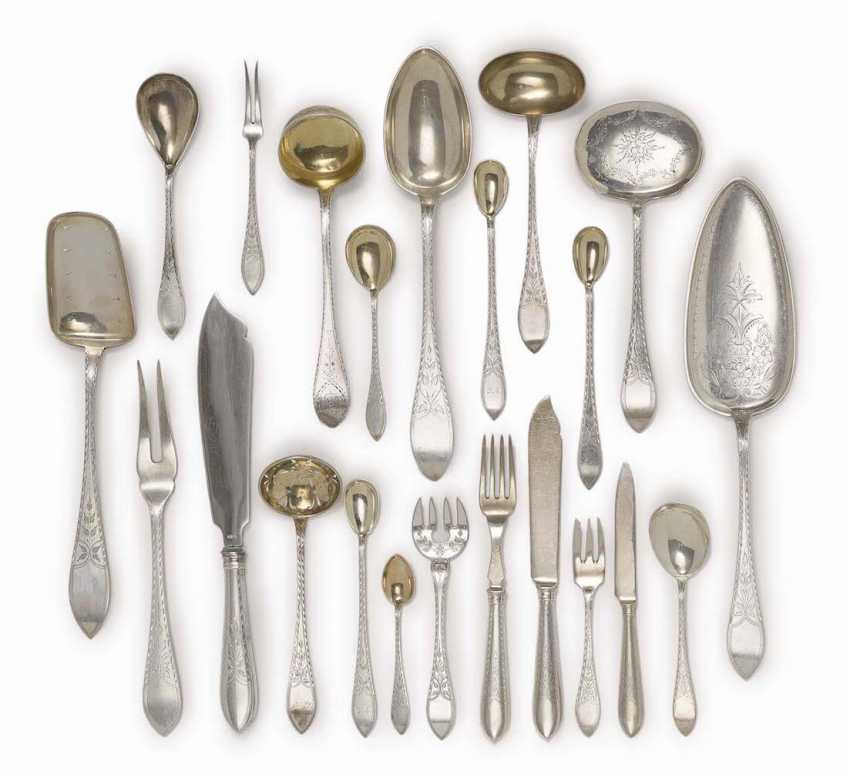 CUTLERY, 146 PARTS of Copenhagen, CA. 1901-1932, including C. M. Cohr, and Christian F. Heise, and J. SiGelbgoldaard - photo 2