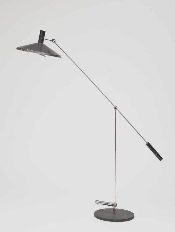 "FLOOR LAMP, SUCTION. ""Chinese hat"" (VINTAGE MODEL 600), Switzerland, Rico - photo 1"