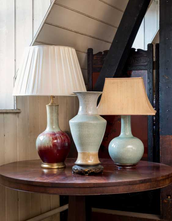 A GROUP OF THREE CHINESE VASES, TWO MOUNTED AS LAMPS - photo 1