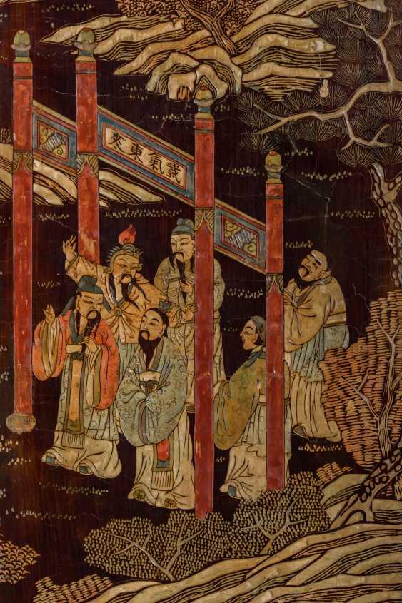 A CHINESE COROMANDEL LACQUER EIGHT-FOLD SCREEN - photo 4