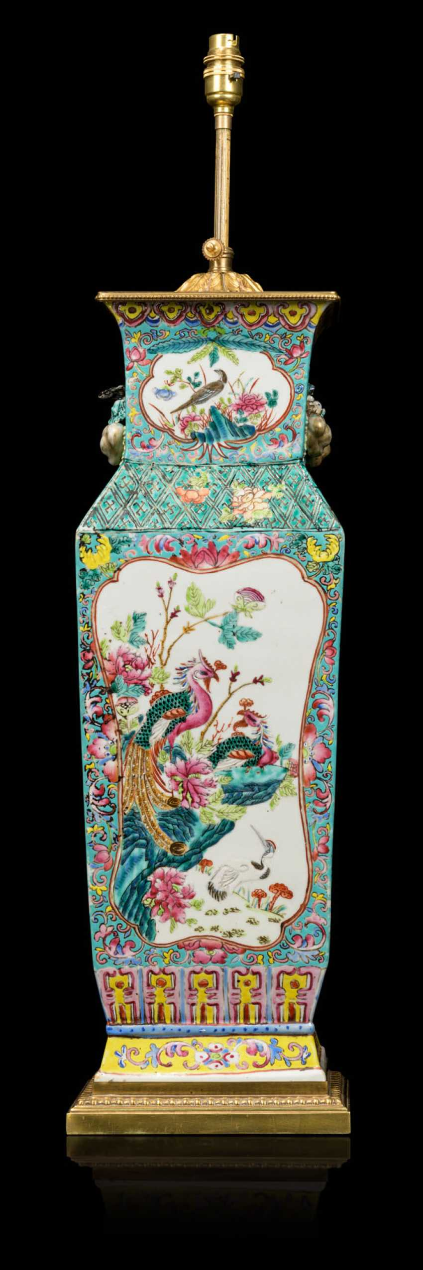 A PAIR OF CHINESE FAMILLE ROSE VASES, MOUNTED AS LAMPS - photo 2