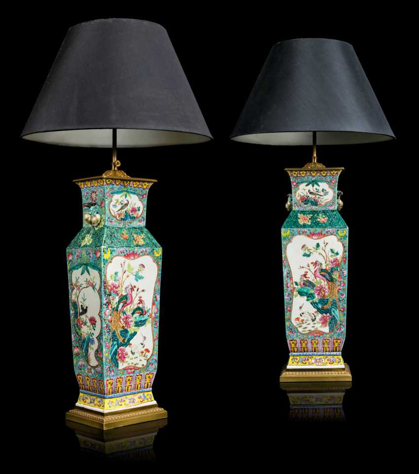 A PAIR OF CHINESE FAMILLE ROSE VASES, MOUNTED AS LAMPS - photo 7