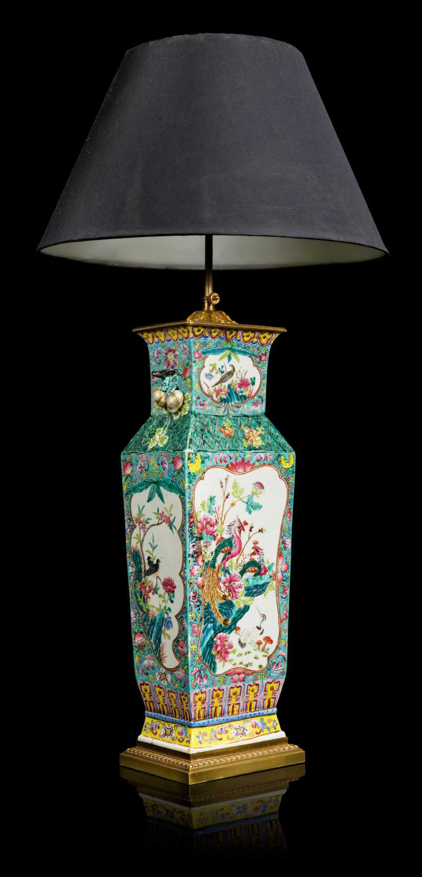 A PAIR OF CHINESE FAMILLE ROSE VASES, MOUNTED AS LAMPS - photo 8