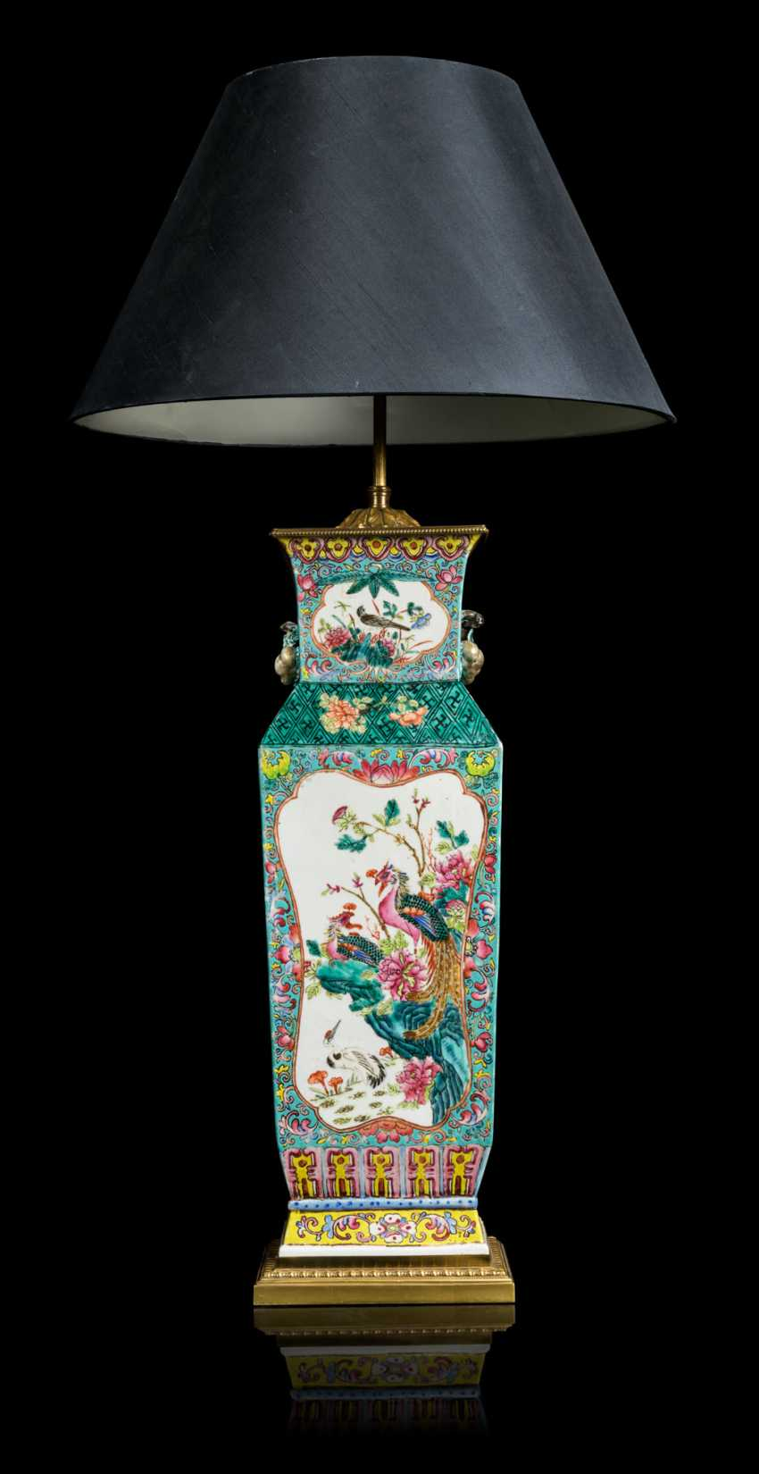 A PAIR OF CHINESE FAMILLE ROSE VASES, MOUNTED AS LAMPS - photo 9