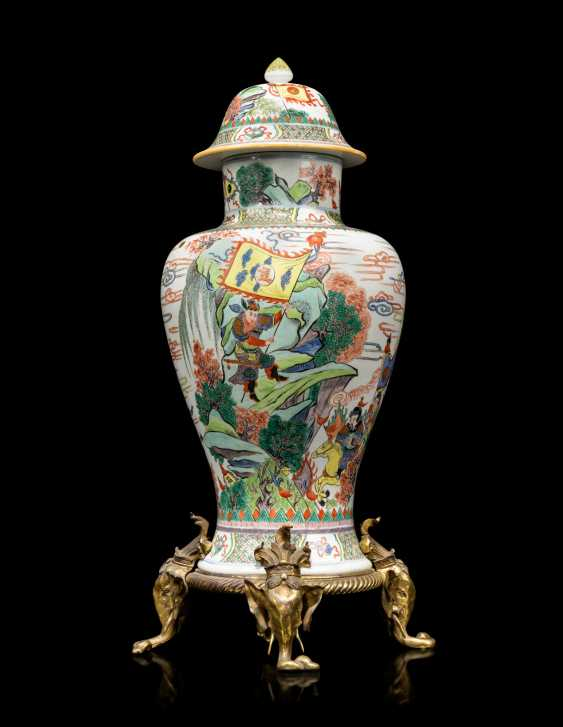 A FRENCH ORMOLU-MOUNTED 'CHINOISERIE' PORCELAIN VASE - photo 1