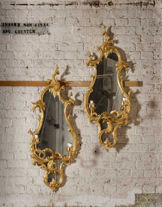 A PAIR OF GILTWOOD AND GILT-GESSO GIRANDOLE MIRRORS - photo 1