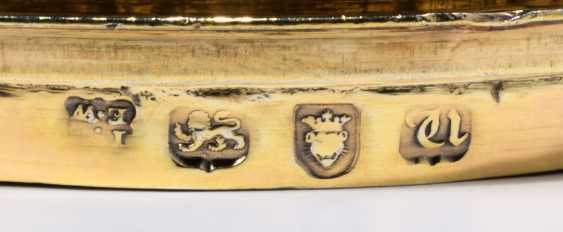 A GEORGE III SILVER-GILT CUP AND COVER - photo 5