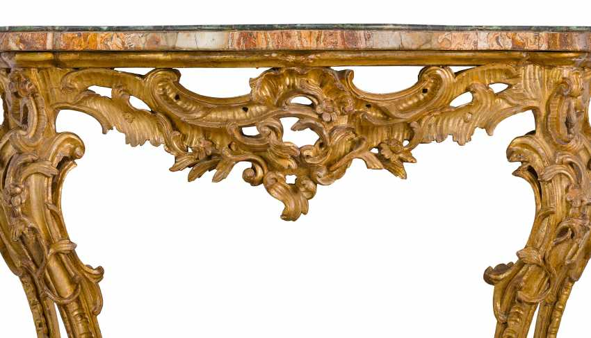 AN ITALIAN GILTWOOD CONSOLE TABLE - photo 3