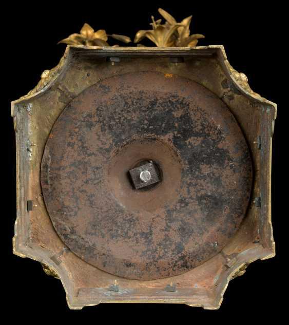 A PAIR OF FRENCH ORMOLU-MOUNTED CHINESE FLAMBE-GLAZED PORCELAIN TWELVE-LIGHT VASE-CANDELABRA - photo 6