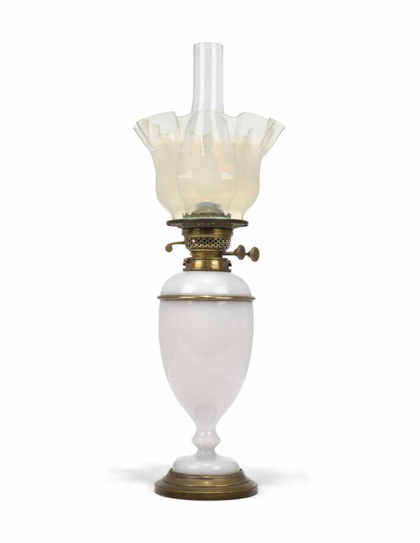 A GROUP OF EIGHT VICTORIAN CLEAR AND FROSTED GLASS OIL LAMPS - photo 11