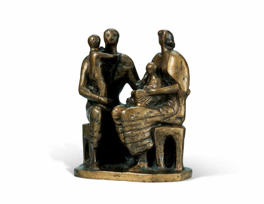 HENRY MOORE, O.M., C.H. (1898-1986) - photo 3