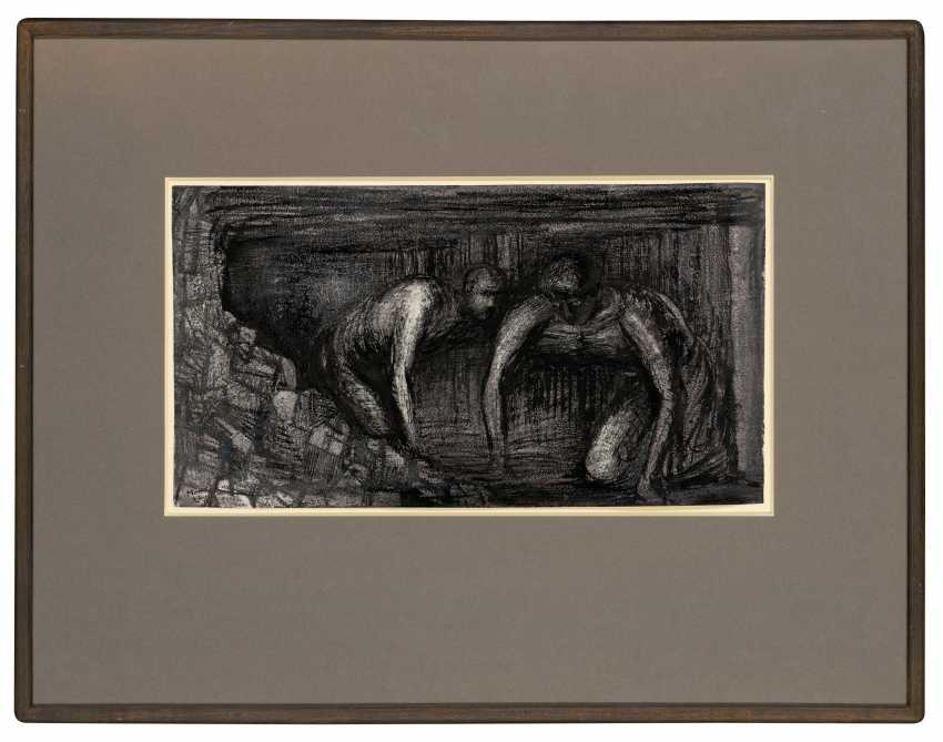 HENRY MOORE, O.M., C.H. (1898-1986) - photo 2
