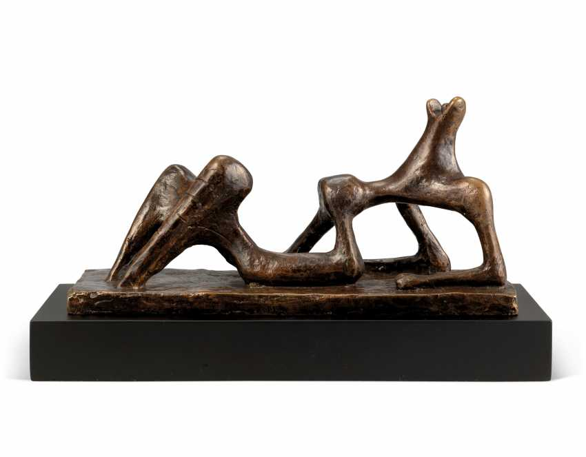 HENRY MOORE, O.M., C.H. (1898-1986) - photo 1