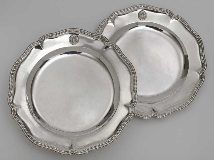Two round plates from the so-called '' Bamberg Service ''. Augsburg, 1769 - 1771, Christian II Drentwett - photo 1