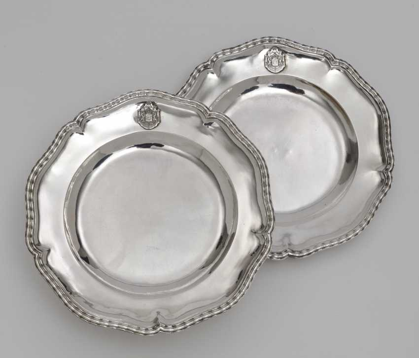 Six plates from the so-called '' Bamberg Service ''. Augsburg, 1769 - 1771, Adolf Carl Holm - photo 1