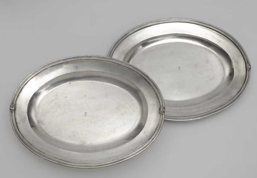 Two lid terrines and a pair of oval plates - photo 2