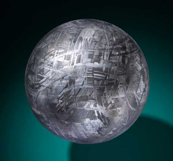 MUONIONALUSTA METEORITE CRYSTAL BALL — CRYSTALLINE STRUCTURE OF AN IRON METEORITE DRAMATIZED IN THREE DIMENSIONS - photo 1