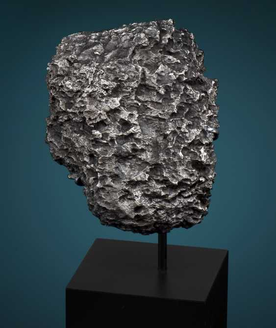 ABSTRACT SCULPTURE FROM OUTER SPACE - DRONINO METEORITE  - photo 1