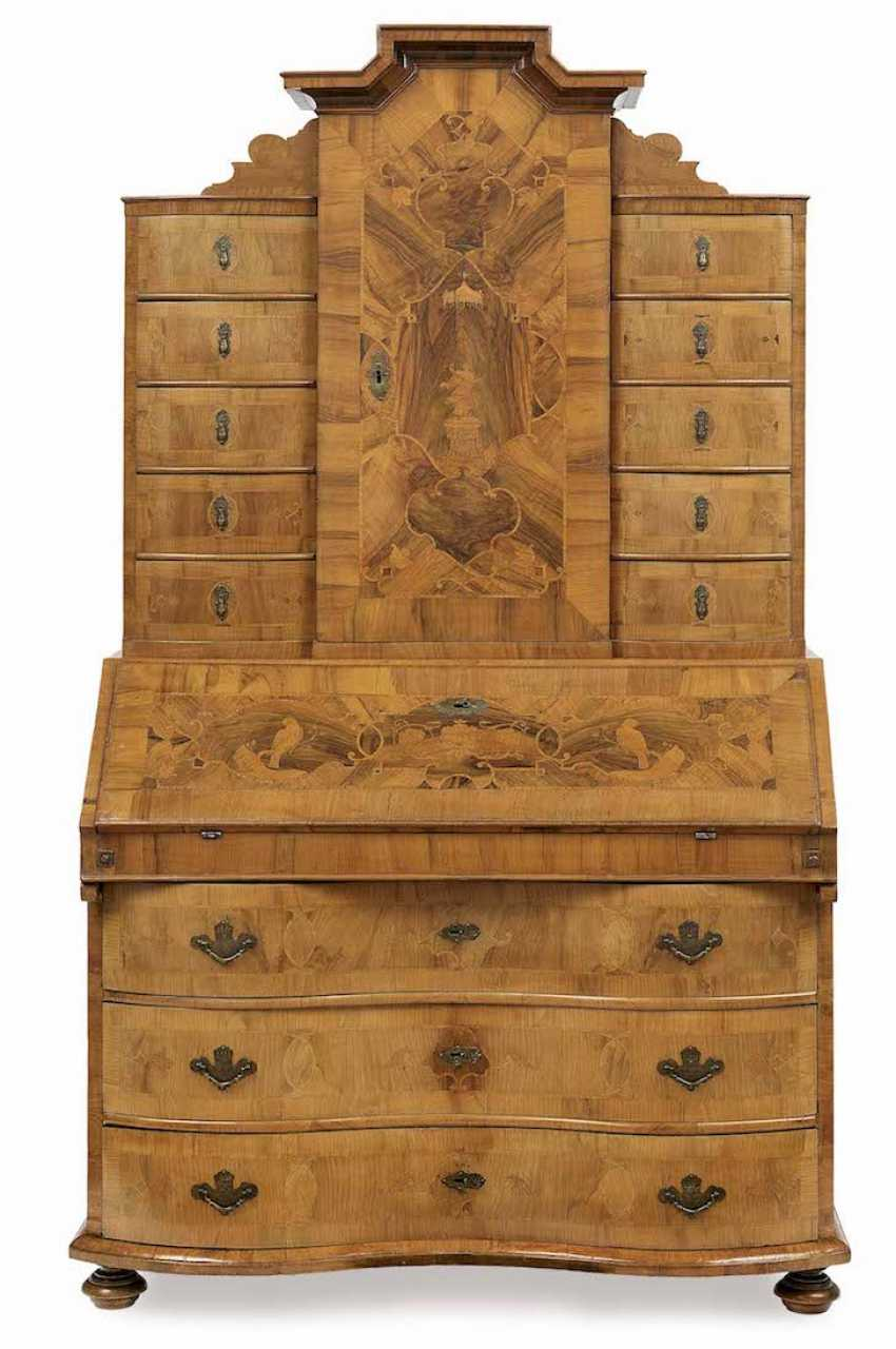 Essay writing chest of drawers in middle German, 18. Century - photo 1