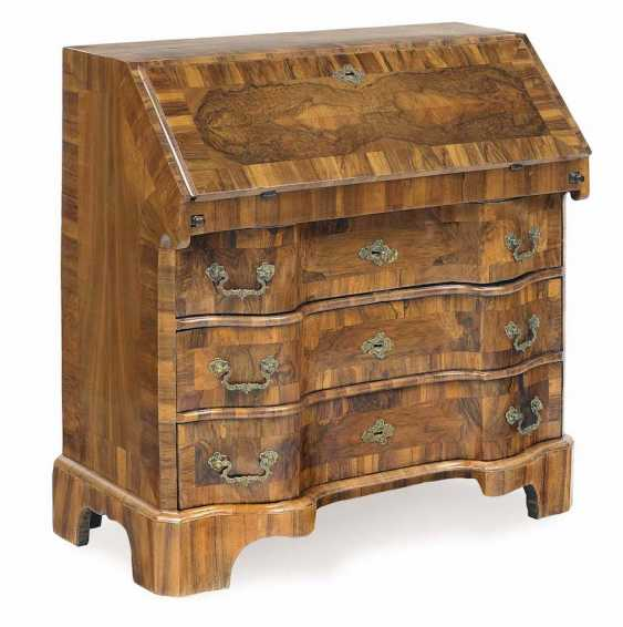 Writing chest of drawers in middle German, 18. Century - photo 1