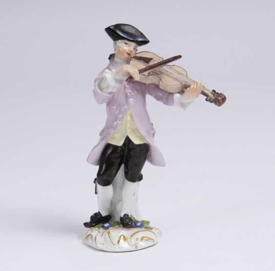 Violinist from the Galant Chapel - photo 1