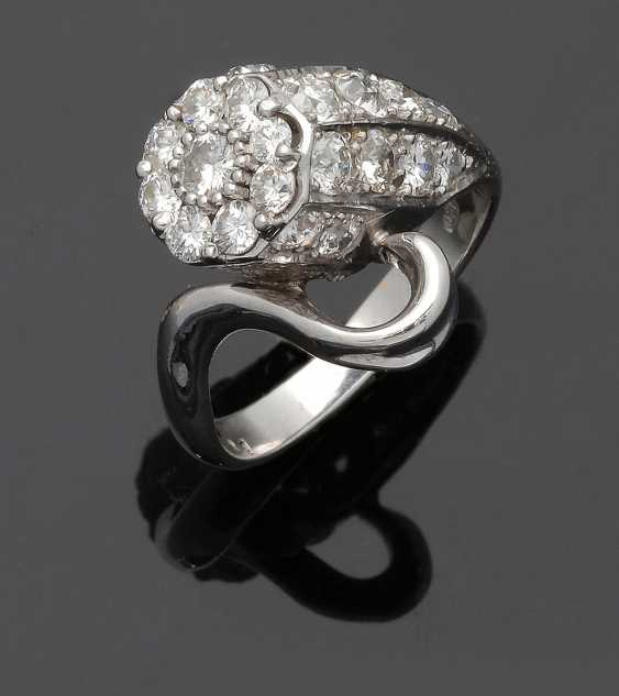 Extravaganter Diamantring - photo 1