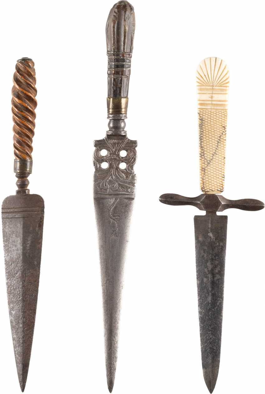 COLLECTION OF THREE DAGGERS - photo 1