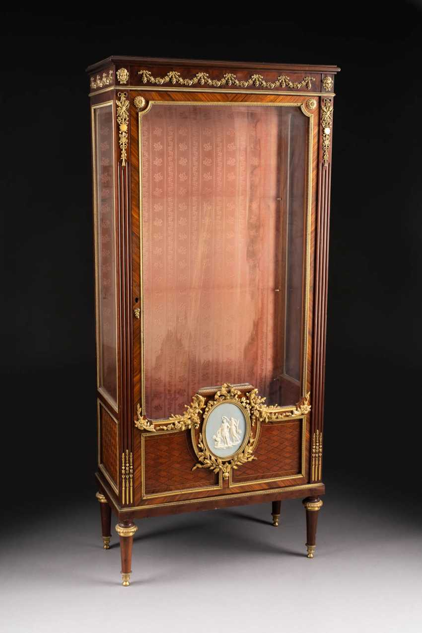 IMPORTANT NAPOLEON III DISPLAY CABINET - photo 2