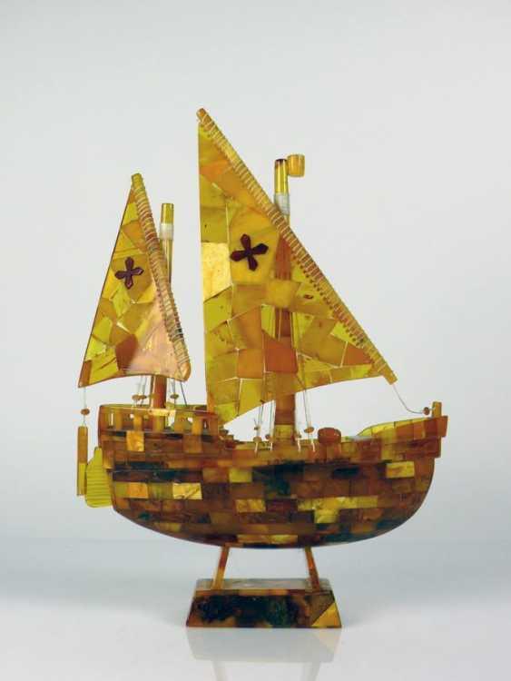 Amber Sailing Ship - photo 1