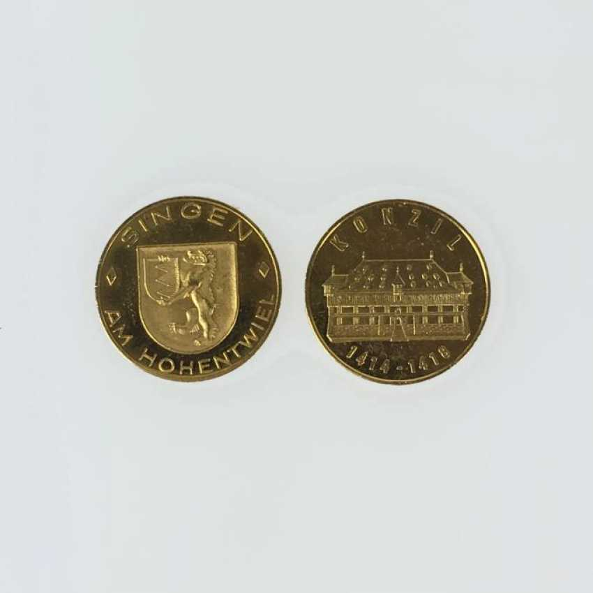 2 gold medals - photo 1