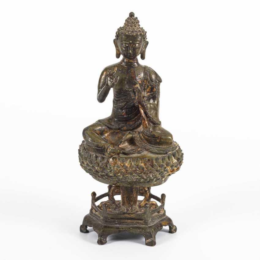 Buddha on lotus pedestal - photo 1