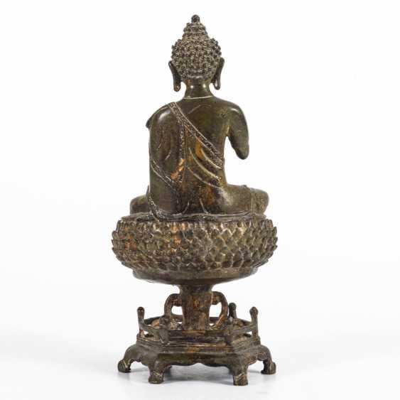 Buddha on lotus pedestal - photo 2