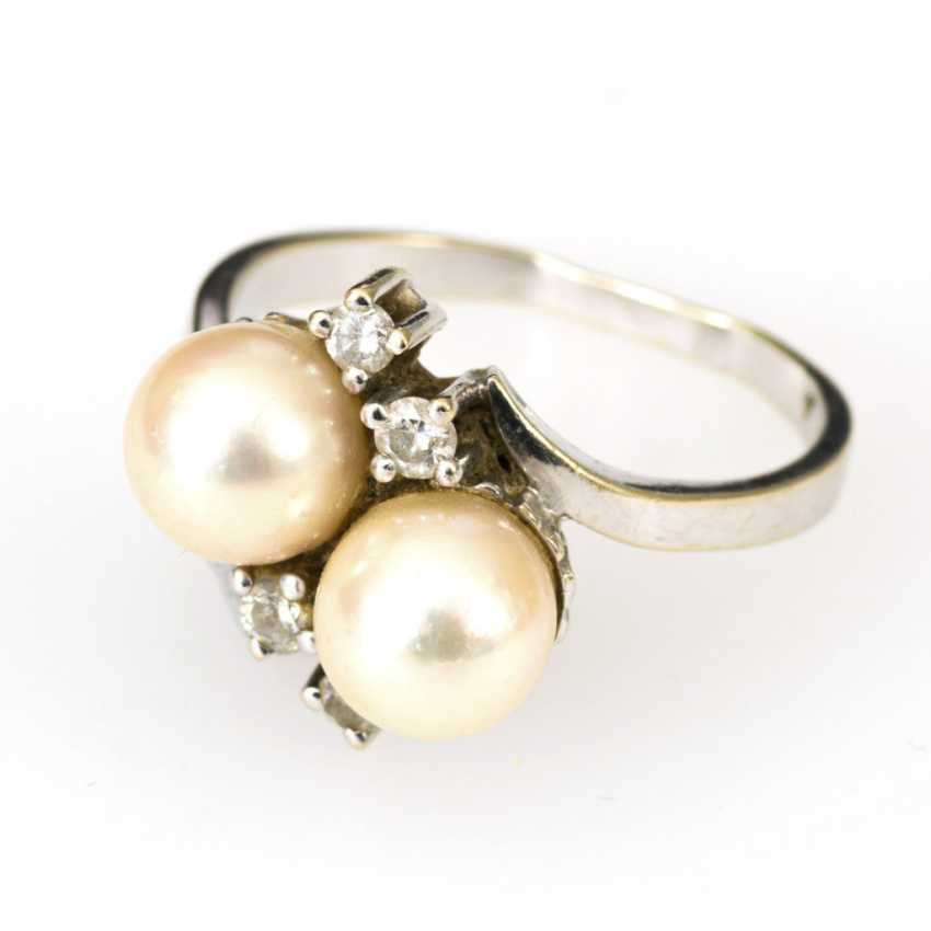 Ring with cultured pearls and diamonds - photo 1