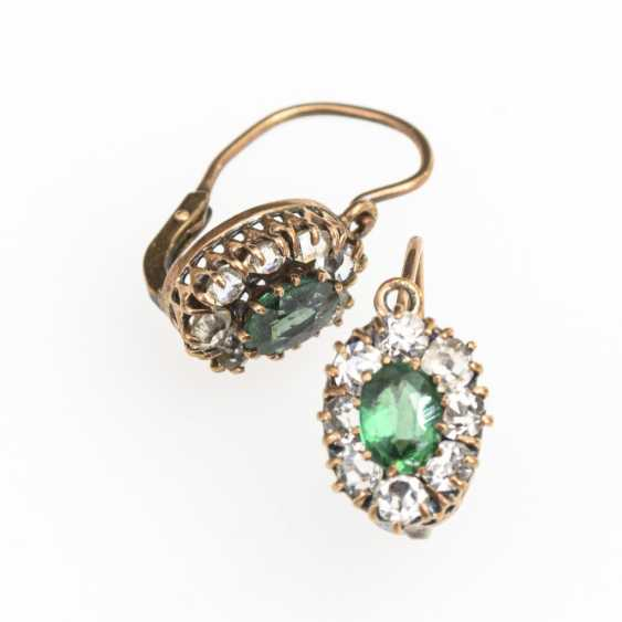 Small pair of earrings with green and colorless stones - photo 1