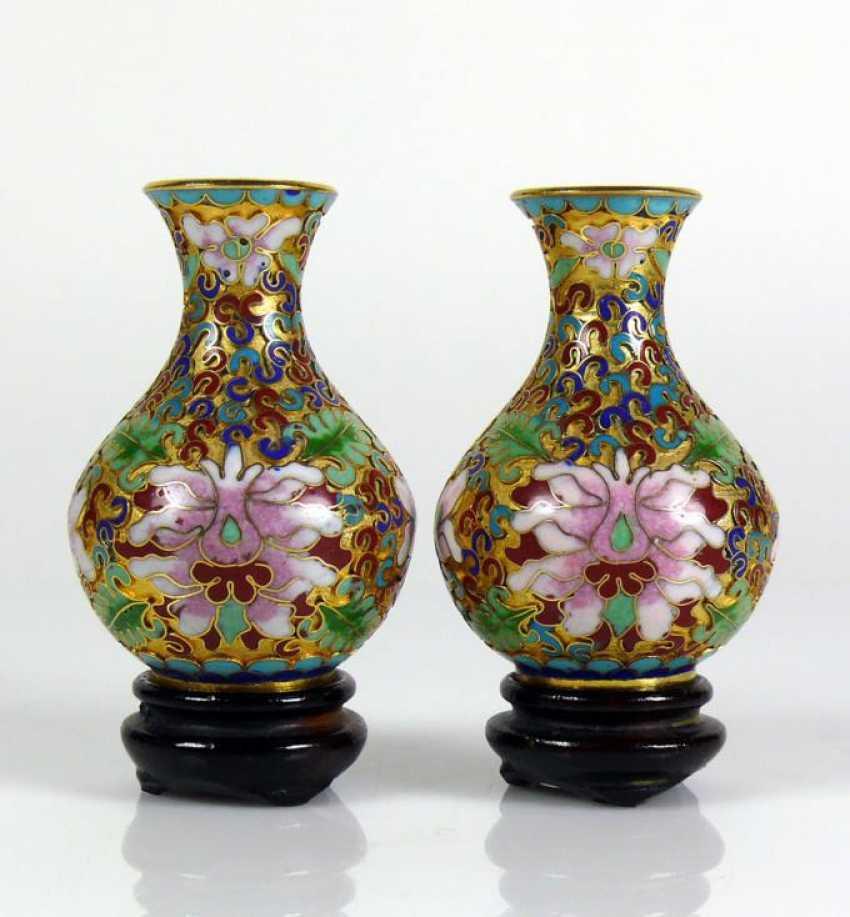 Paar kleine Cloisonné-Vasen - photo 1