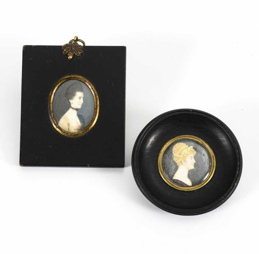 2 miniatures around 1800: portraits of women - photo 3