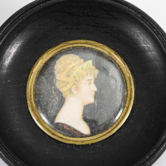 2 miniatures around 1800: portraits of women - photo 4