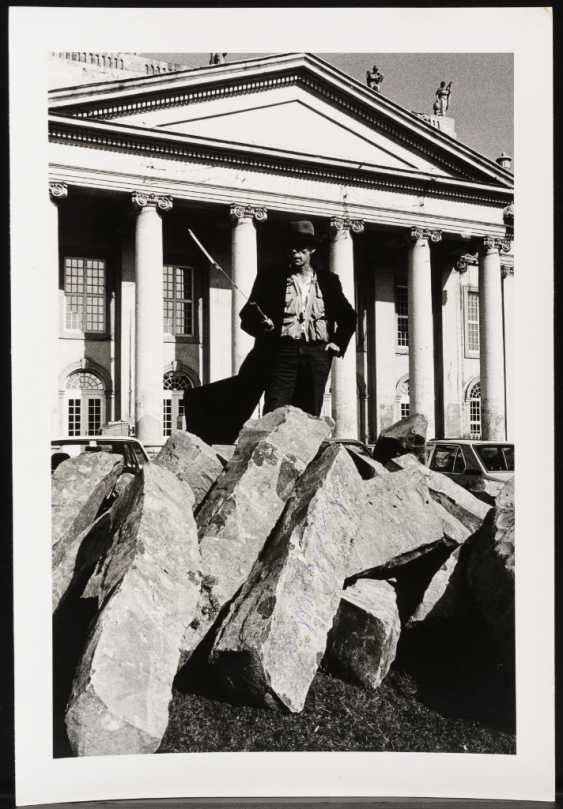 Photograph of the artist in front of the Fridericianum - photo 1